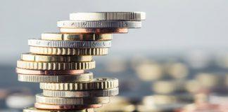 pomoc socjalna świadczenia pieniężne
